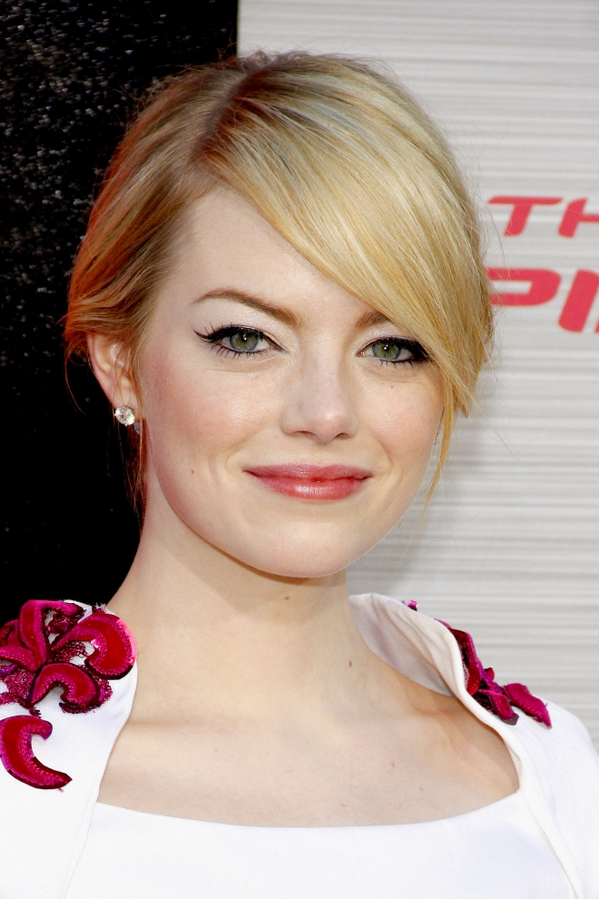 emma stone weight height measurements hair color net worth