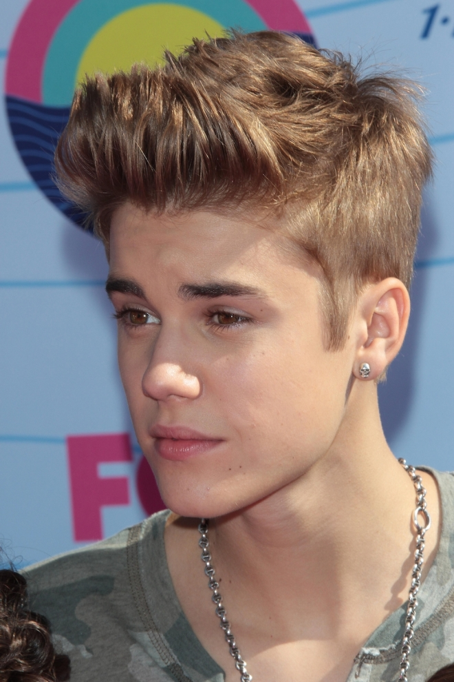 Justin Bieber Net Worth Weight Height Ethnicity Shoe Size