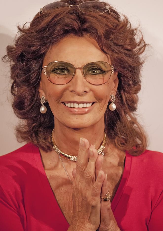 Sophia Loren Measureme...