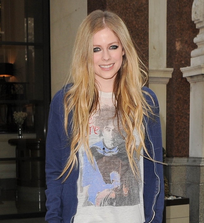 Avril Lavigne Weight