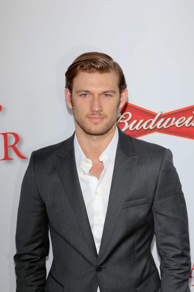 Y Fox Boston Alex Pettyfer Weight H...