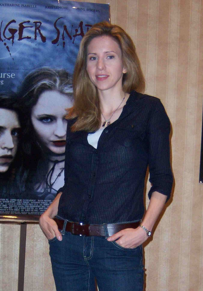 Emily Perkins Weight Height Ethnicity Hair Color Eye Color