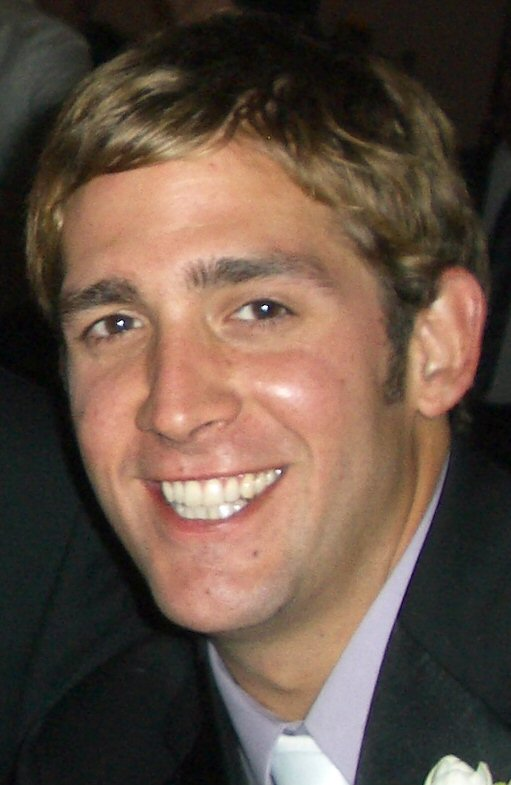 Eric Szmanda Weight Height Ethnicity Hair Color Eye Color