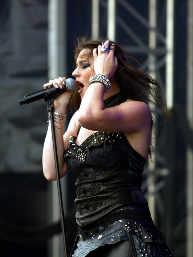Floor Jansen Weight Height Ethnicity Hair Color Shoe Size
