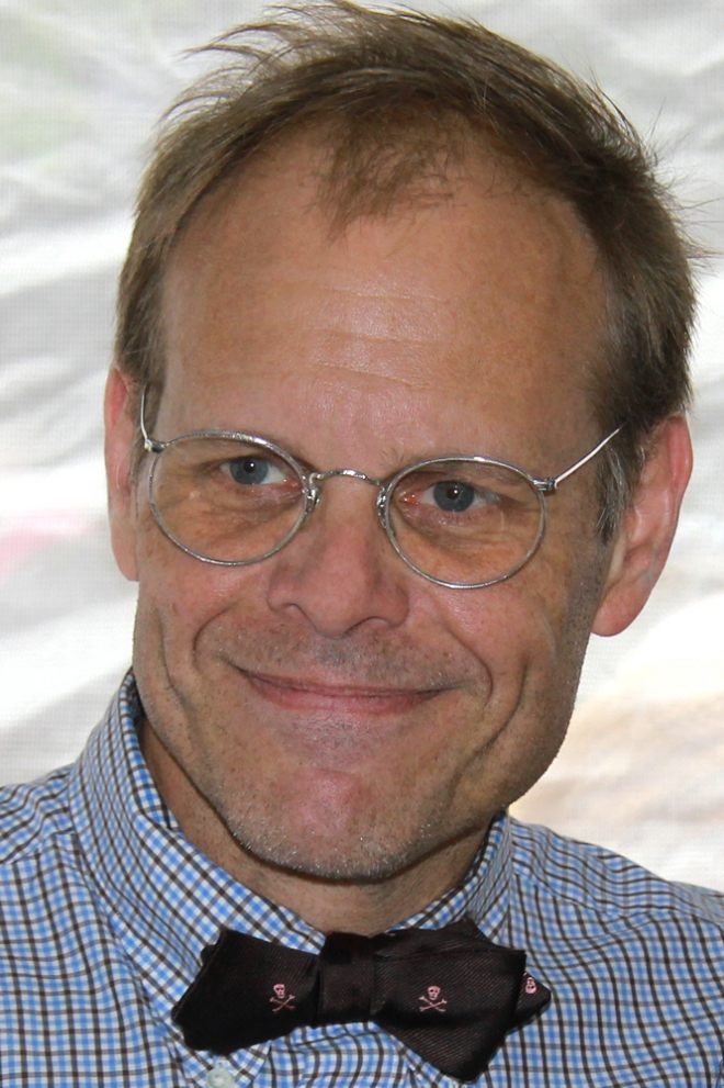 Alton Brown Weight Height Ethnicity Hair Color Net Worth