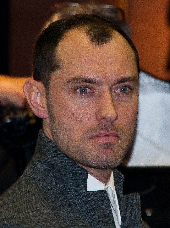 Jude Law Weight Height Ethnicity Hair Color Eye Color