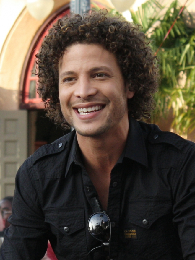 Es justin guarini gay