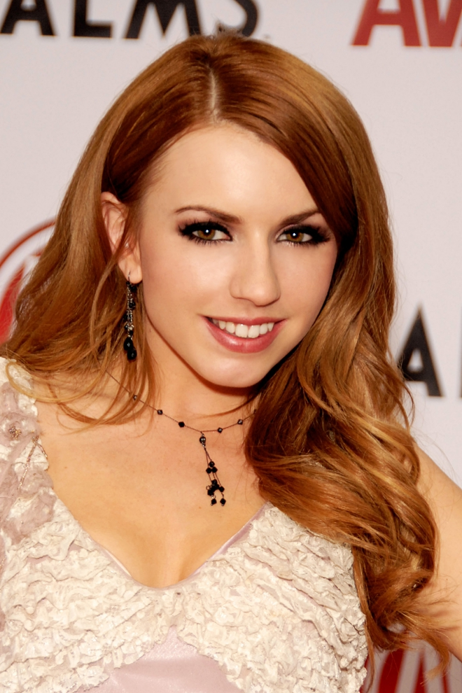 Lexi Belle Weight Height Measurements Bra Size Ethnicity-2787