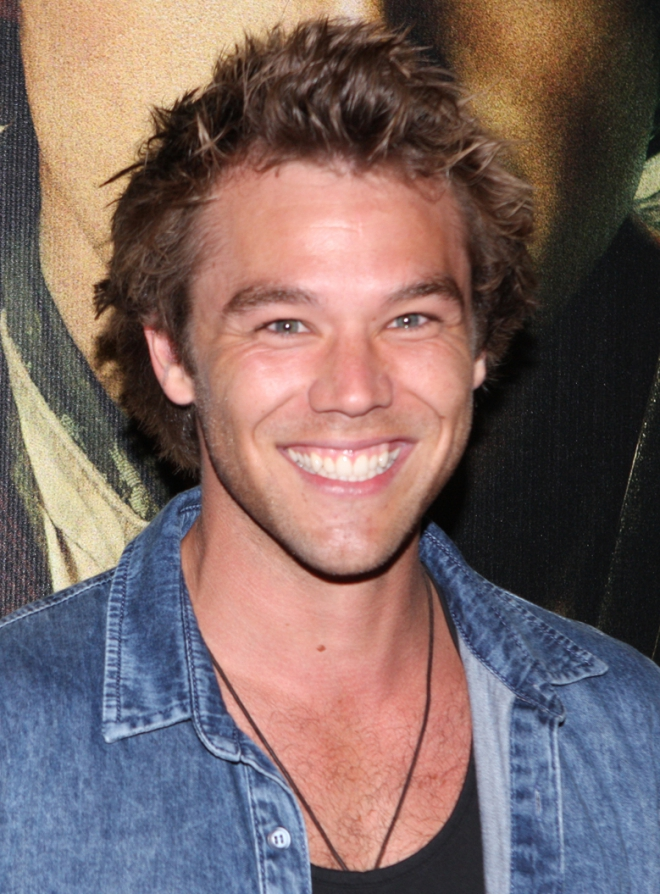 Lincoln Lewis Weight Height Ethnicity Hair Color Eye Color