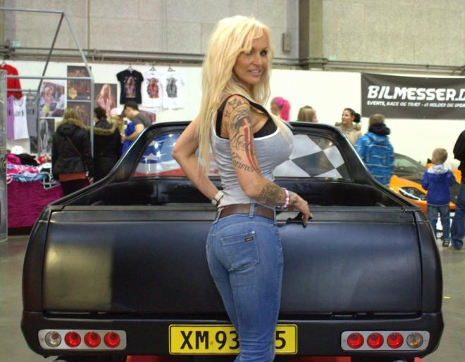 frie piger Linse Kessler breasts