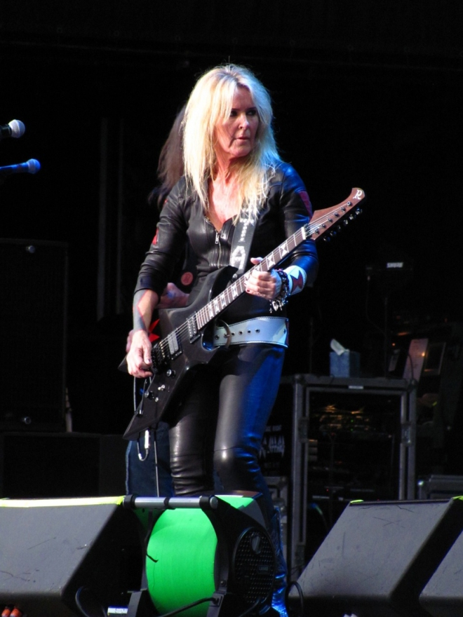 Lita Ford Weight Height Ethnicity Hair Color Shoe Size