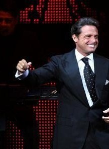 Luis Miguel Weight Height Ethnicity Hair Color Eye Color