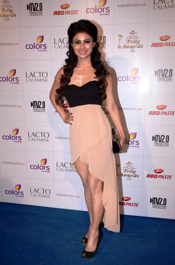 mouni roy weight height measurements ethnicity hair color