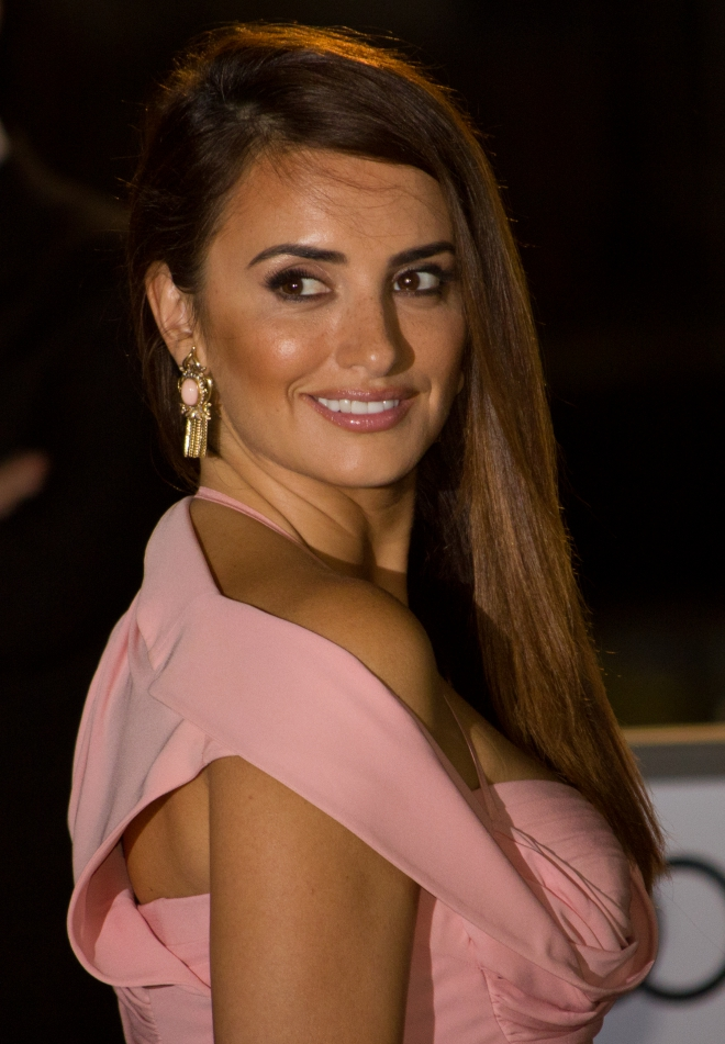 Penelope Cruz Weight Height Measurements Bra Size Ethnicity-9731