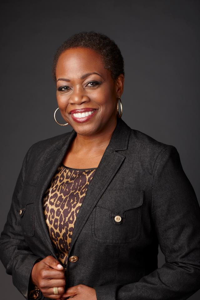 Regina Taylor Weight Height Ethnicity Hair Color
