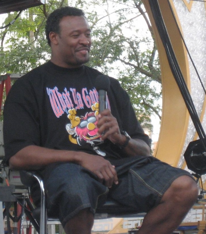 Willie McGinest Weight Height Ethnicity Hair Color Education