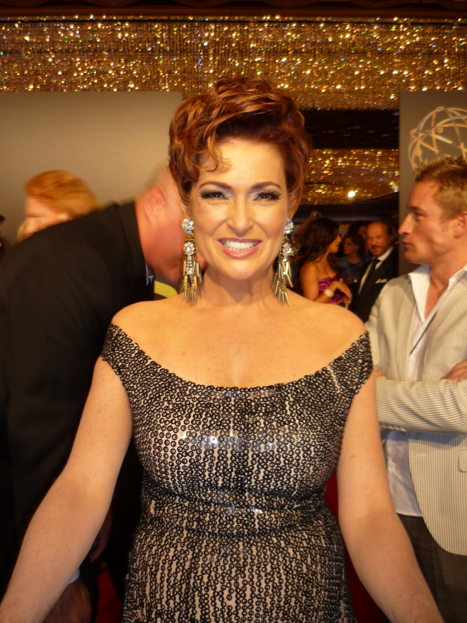 carolyn hennesy weight height ethnicity hair color shoe size