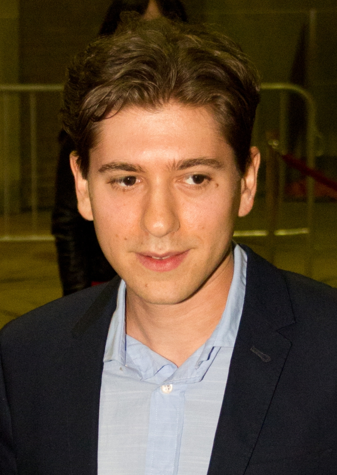michael zegen weight height hair color eye color body stats