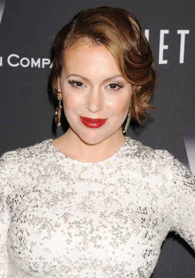 Alyssa milano who is she dating