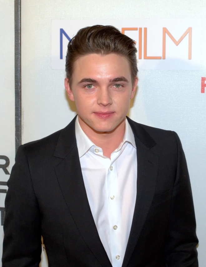 Who Is Jesse Mccartney Dating Right Now