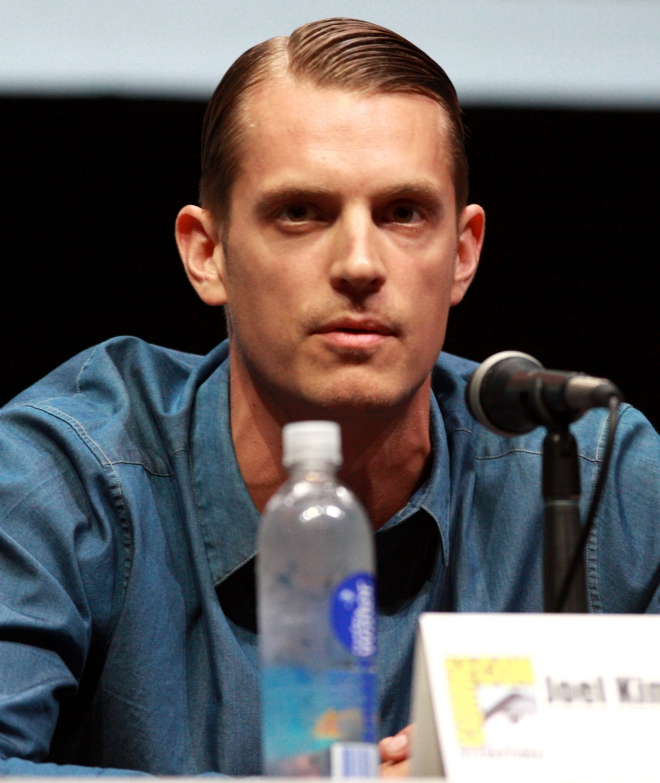 Joel Kinnaman Dating