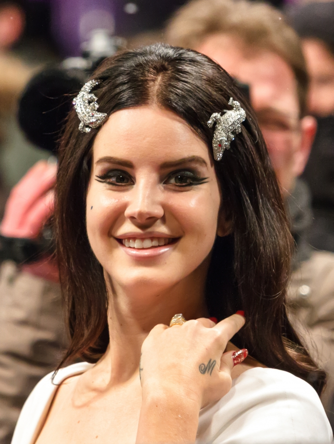 who is lana del rey dating Find single alternative people who are fans of lana del rey and other similar bands at altscene, the totally free goth, punk and emo dating site.