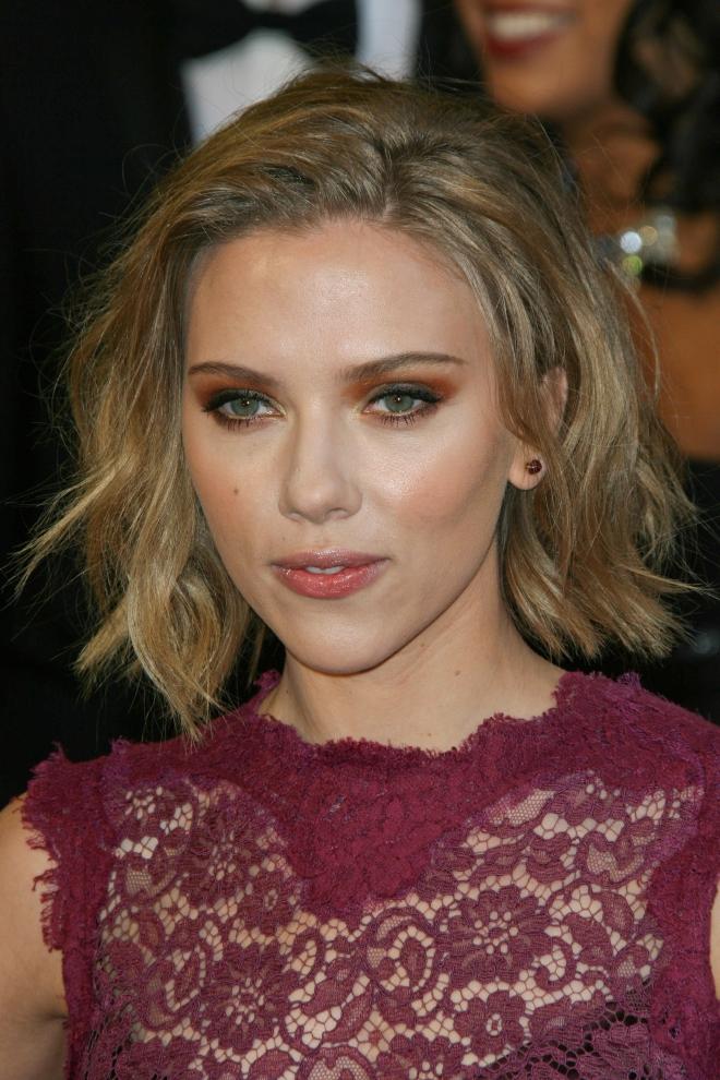 Scarlett Johansson Dating
