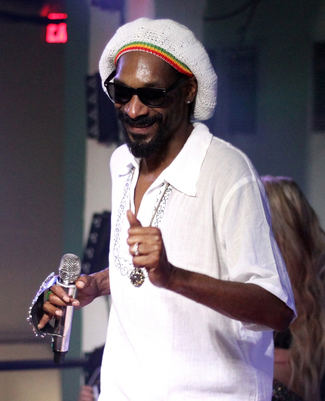 Snoop Dogg Dating