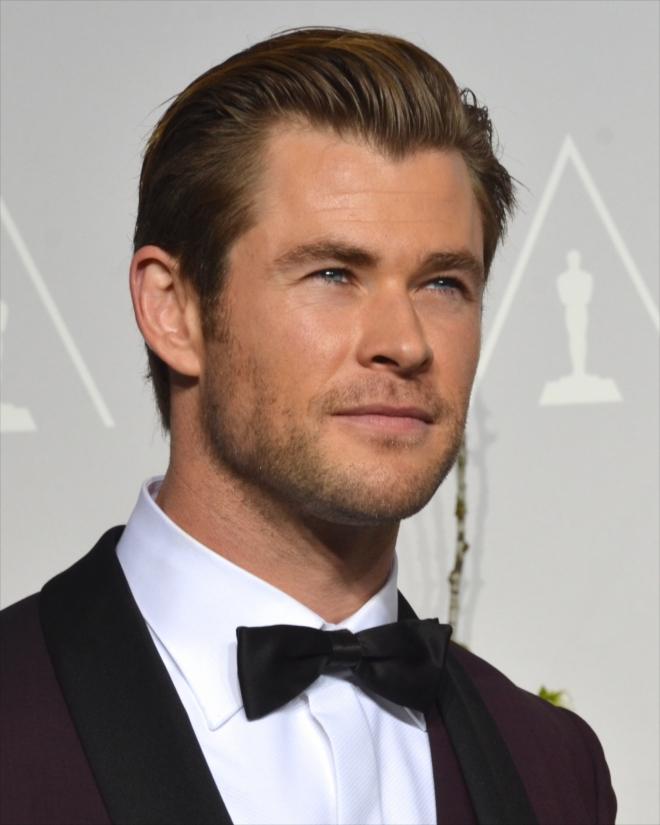 Chris Hemsworth Dating