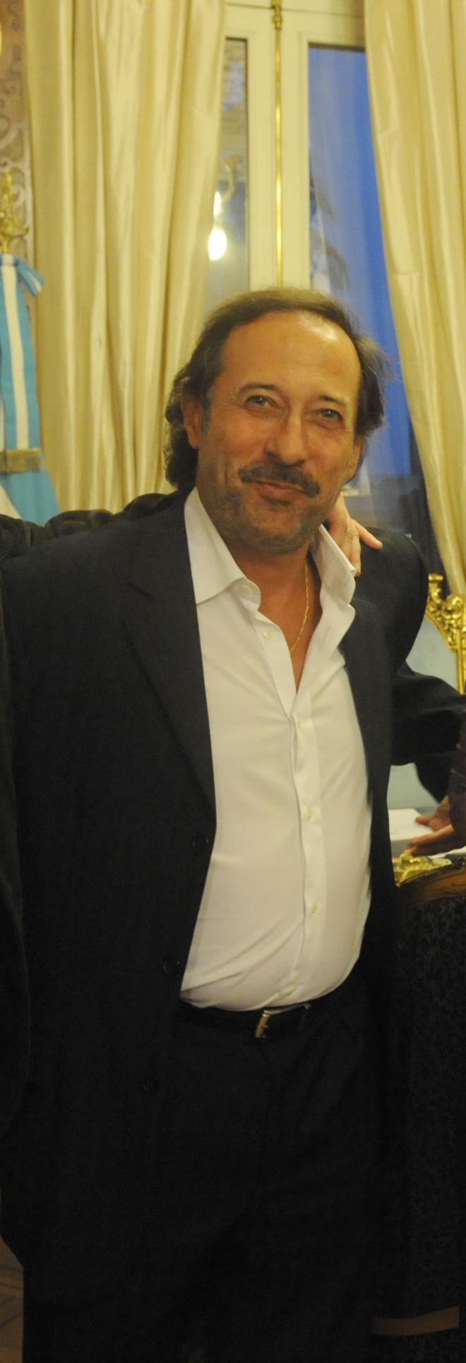 Guillermo Francella Dating